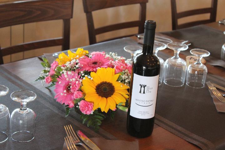 Ristorante con produzione propria di vino bianco e rosso