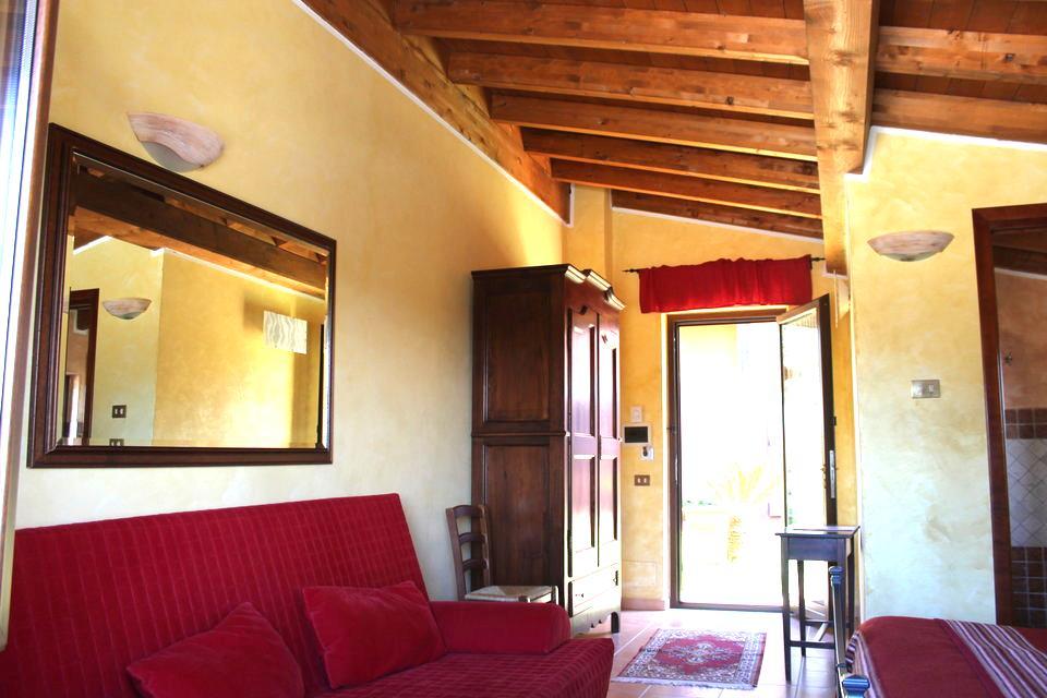 Camera superior in Agriturismo la Valle di Ceri: ingresso